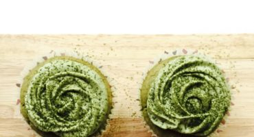 Nature's Truth Matcha Green Tea Mini Cupcakes